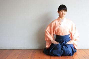 suizan雅女性弓道家